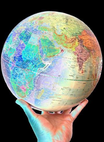 الأرض «تعيد تدوير» نفسها بسرعة فاجأت العلماء