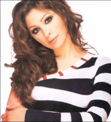 حملة لمنع إليسا من دخول مصر