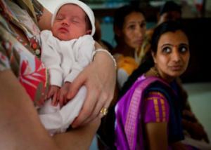 بريطانيات يستعن بأمهات بديلة من الهند ﻷنجاب أطفالهم
