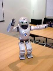 باحثون يابانيون يطور روبوت مزود بحاسة لمس كالبشر
