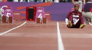 سقوط أول قطرية تشارك في الأولمبياد بعد 10 أمتار في سباق 100 متر