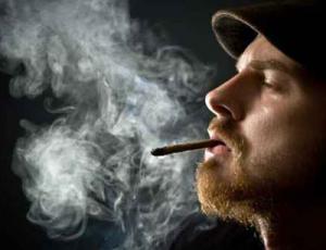 ولايات أمريكية تبيح بيع وتعاطي بعض أنواع المخدرات
