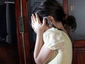 مدرس مصري يضرب تلميذة ويصيبها بارتجاج في المخ