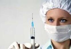 إيقاف ممرضة بريطانية عن العمل لقيامها برفس مريض