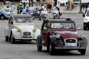فرنسا: من أجل البيئة منع سير السيارات القديمة في باريس