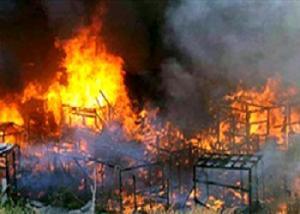 مظاهرة لعمال غاضبون تنتهي بقتل مديرهم وزوجته حرقاً