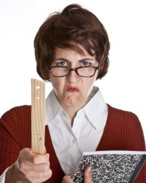 معلمة تقاضي مدرستها بسبب خوفها من اﻷطفال