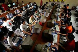 دراسة: نصف من مستخدمي الانترنت تقل أعمارهم عن 25 سنة