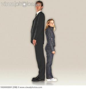 دراسة: الرجال يفضلوا اﻷرتباط بالمرأة الأقصر طولاً