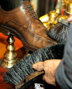 أمريكا : ماسح أحذية يتبرع بـ 200 ألف دولار لمستشفى أطفال