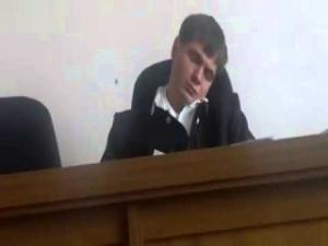 محكمة روسية تلغي حكم قاضي نام أثناء مرافعة الدفاع