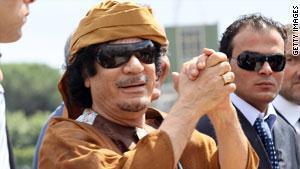 القذافي يهدد بأعلان الحرب علي أوروبا