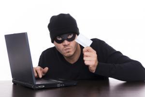 القبض علي عصابة من لصوص الإنترنت سرقوا 45 مليون دولار