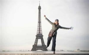 فرنسا: تقرر إلغاء قانون يمنع السيدات من ارتداء البنطال