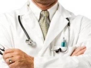 أمريكا : السماح لأطباء النساء والتوليد بعلاج الرجال