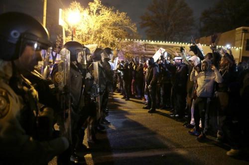 احتجاج تندد بقتل الشرطة للسود في أمريكا وبريطانيا وإيطاليا