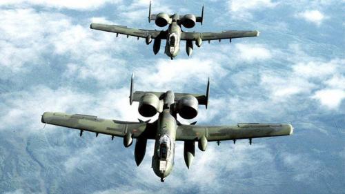 الجيش اﻷمريكي يستعين بطائرة