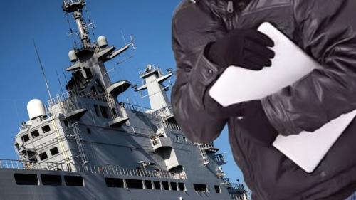 سرقة معدات ومخططات سرية من سفينة عسكرية فرنسية أثناء تشيدها