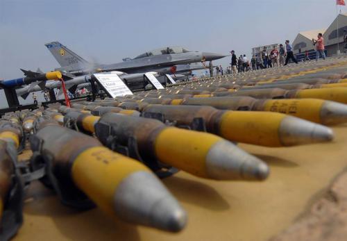 إنخفاض المبيعات العالمية للسلاح خلال العام رغم إندلاع العديد من الصراعات
