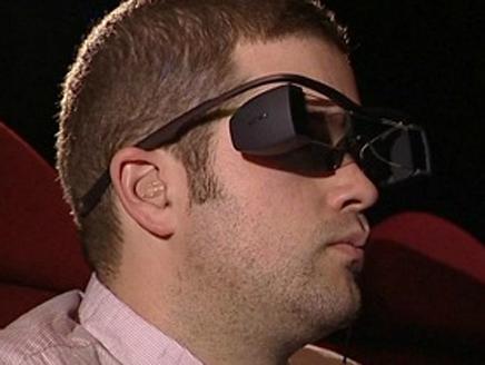 تطوير نظارات لعرض الترجمة للأفلام