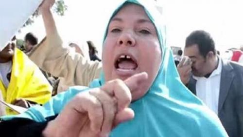 شرطي يطلق النار علي نجل أشهر ناشطة مؤيدة للنظام المصري