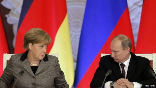 روسيا تحتج علي تصريحات رئيس الوزراء اﻷوكراني بمدح هتلر وتطالب ألمانيا بتوبيخه