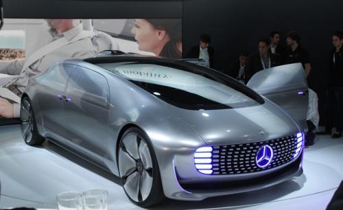 ألمانيا : شركة مرسيدس تطرح سيارة المستقبل ذات القيادة الذاتية