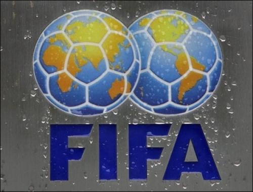 صحف عالمية تتهم الفيفا  بإهانة كرة القدم