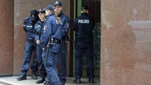 ألمانيا : محاكمة مسن بتهمة المساعدة في قتل 300 ألف شخص