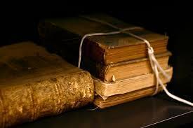 تعرف علي أخطر كتاب في العالم حيث يقتل كل من يقرأه