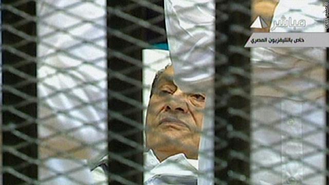 عشرة محامين كويتين يتطوعوا للدفاع عن مبارك