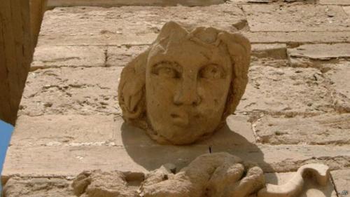 داعش يعرض آثار سوريا والعراق للبيع على الإنترنت