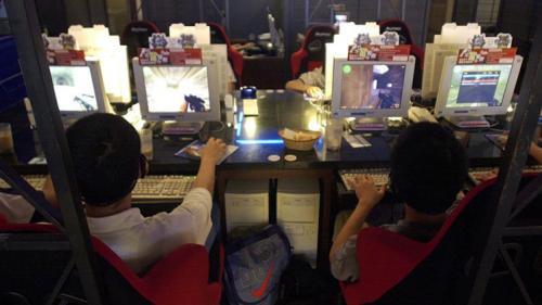 تايوان : وفاة مدمن لألعاب الكمبيوتر بمقهى للانترنت نتيجة اﻷفراط في اللعب