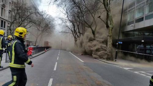 إجلاء ما يقارب اﻷلفي  شخص جراء حريق كبير وسط لندن