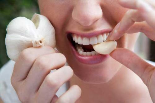 تعرف علي الفوائد الصحية الرائعة للثوم والتي ستدفعك لتتناوله يوميا