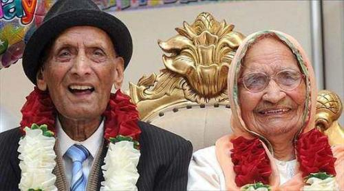 أقدم زوجين في العالم يحتفلان  بعيد زواجهم الـ 90