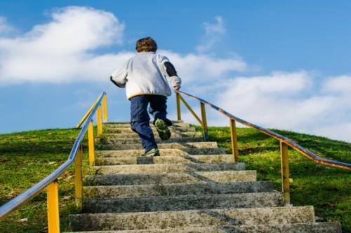 تعرف علي الفوائد الصحية لصعود السلالم