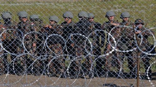 هنغاريا تقرر طرد اللاجئين بأستخدام الرصاص المطاطي