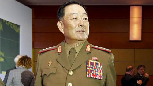 كوريا الشمالية إعدام وزير الدفاع  لنومه أثناء حديث الرئيس