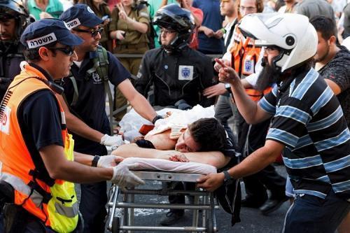 إصابة 6 إسرائليين طعنًا علي يد يهودي خلال تظاهرة للمثليين في القدس