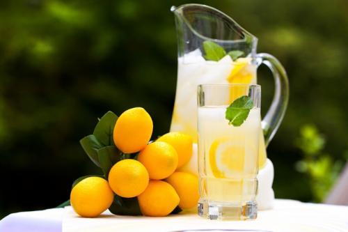 بنت عمرها 11 سنة تصبح مليونيرة بسبب عصير الليمون