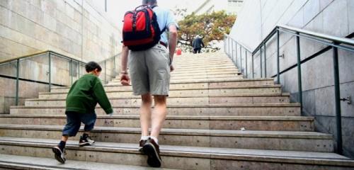 صعود السلالم يحافظ على صحة وشباب المخ