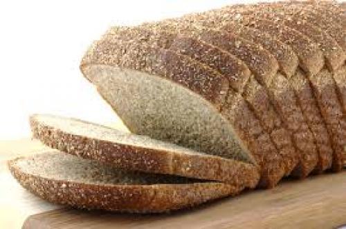 تحذيرات خطيرة من حفظ الخبز في الثلاجة .. اعرف السبب