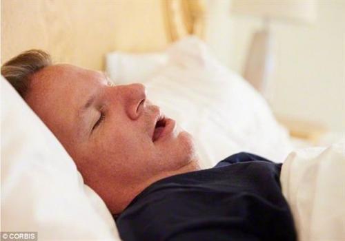 باحثون نوم الرجال يختلف عن النساء