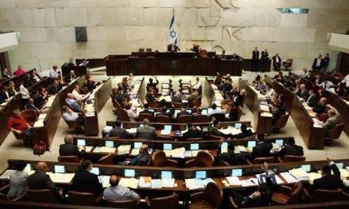 الكنست  الإسرائيلي يرفع الحظر عن ارتداء التنورات القصيرة