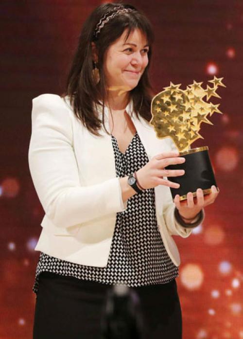 كندية تفوز بلقب أفضل معلمة في العالم