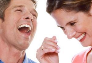 دراسة: الضحك ينشط خلايا المخ
