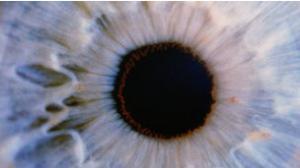 تقنية جديدة قادرة علي تغيير لون العين خلال 20 ثانية