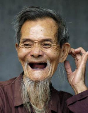 دراسة: ابتسم لتبدو أصغر سناً