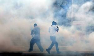 قوات اﻷمن المصرية بعد الثورة تستخدم غاز مسيل للدموع  أكثر فتكاً